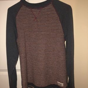 very comfortable long sleeve shirt! men's size med